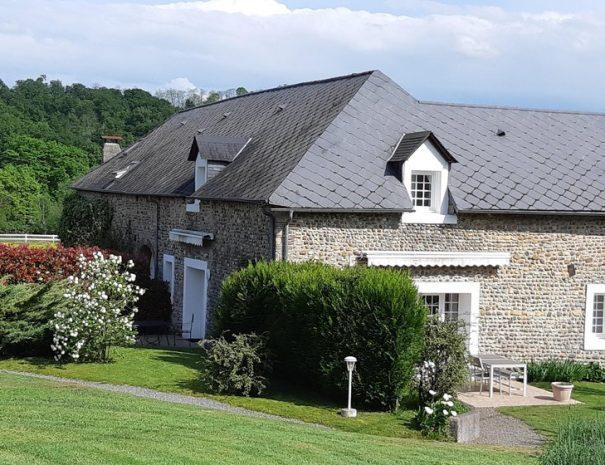 Gîtes Les Roses et The Cottage aux Gîtes de Bernet, Monein, Coeur de Béarn Sud ouest France