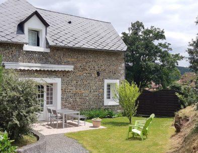 L'exterieur de The Cottage, Gites de Bernet, Monein, Béarn Pyrénées Atlantiques